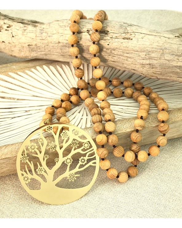Sautoir en bois avec pendentif arbre de vie