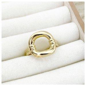 Notre jolie bague Mélissa ✨ N o u v e a u t é ♡ Vous aimez ? 🥰  Découvrez nos bagues en acier chirurgical sur www.palomabijoux.com 👩🏻💻 . . . . . .  . . . . . #bijou #bijoux #bijouxacier #bijoudoré #bijouxfantaisie #bracelets #lyon #bijouxfemmes #cadeaufemme #baguebreloque #summer #personnalisation #braceletete #braceletsete #palomabijoux #bijouxlover #cadeaumaman #cadeaumamanbijoux #gravurebijoux #braceletdujour #pierres #goodmood #accessoire #accessoireintemporel #melissa #prenomfille