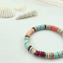 Le bracelet de l'été 🐚✨ Au style surfeur, ces bracelets colorés sont la tendance de l'été 2021 🐠☀️🏖 Vous aimez ? 💛  Découvrez nos bracelets au prix de 12€ sur www.palomabijoux.com 👩🏻💻 . . . . . .  . . . .  #bijou #bijoux #bijouxacier #bijoudoré #bijouxfantaisie #bracelets #lyon  #rhonealpes #france #cadeaufemme #baguebreloque #juillet #2021 #ete #summer #ete2021 #personnalisation #braceletete #braceletsete #été #ete #coquillage #perlesheishi #braceletsurfeur #braceletheishi #braceletsheishi #palomabijoux