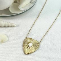 V A C A N C E S 🧡 L'équipe de Paloma Bijoux est bientôt en vacances ! À compter du 23 juillet, vos commandes seront expédiées à partir du 16 août 😊  Découvrez nos colliers en acier chirurgical 316 L sur www.palomabijoux.com 👩🏻💻 . . . . . .  . . . . . #bijou #bijoux #bijouxacier #bijoudoré #bijouxfantaisie #bracelets #lyon  #rhonealpes #france #cadeaufemme #baguebreloque #juillet #2021 #ete #summer #ete2021 #personnalisation #braceletete #braceletsete #été #ete #colliercoeur #coeur #gravure #palomabijoux #bonnesvacances #vacances #holidays #holidaysinfrance